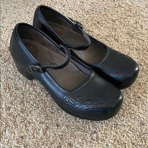 Dansko Shoes design buckle leather like new black
